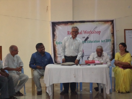 Mr. M. Venkateshwara Rao, Project Officer - RVM, Visahakapatnam addressing the participants
